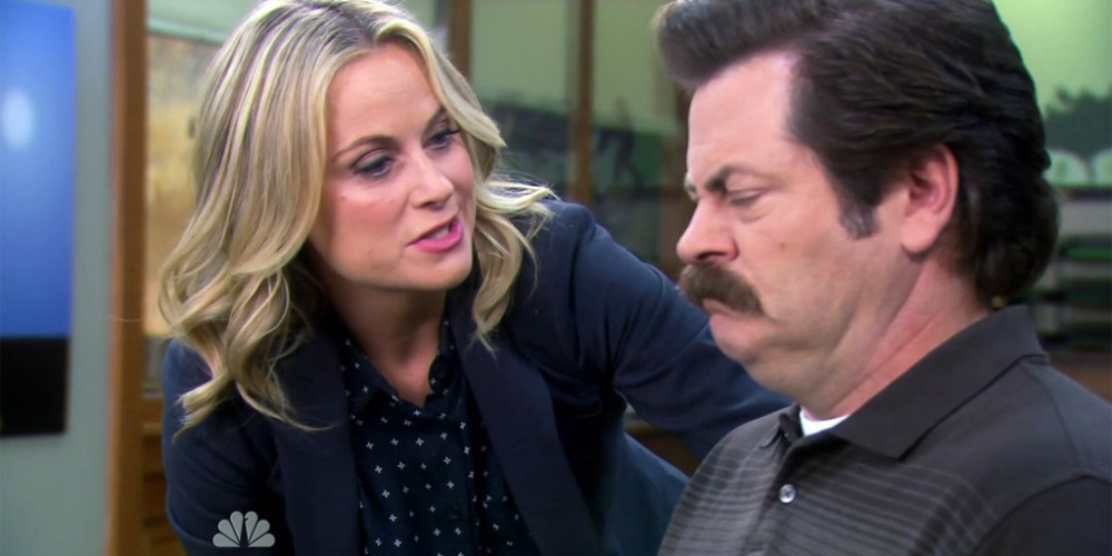 Leslie Knope tortures Ron Swanson picture4