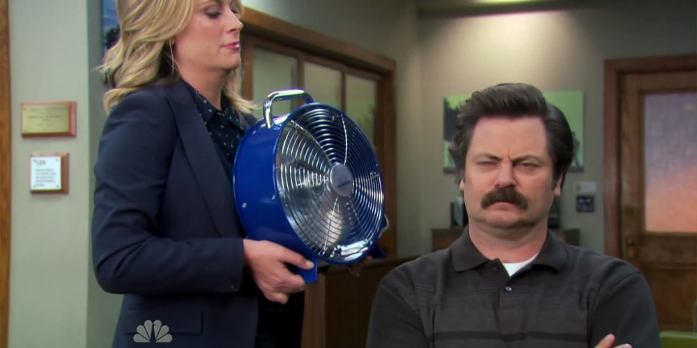 Leslie Knope tortures Ron Swanson picture2