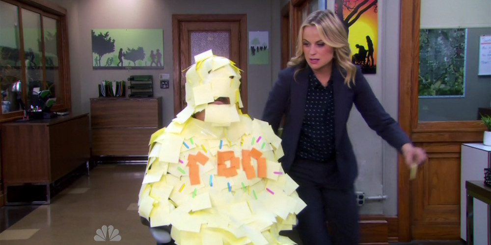 Leslie Knope tortures Ron Swanson picture6